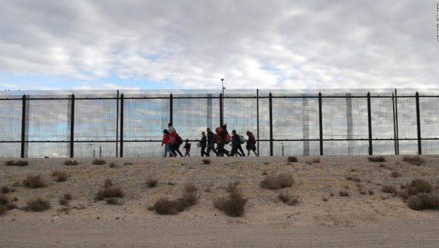 Pentagon notifies Congress $1 billion authorized to begin new wall construction