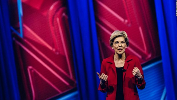 Warren details her upbringing and her parents' struggles in poignant moment