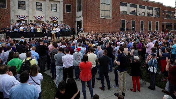 The Point: One picture that captures the organic excitement for Pete Buttigieg right now