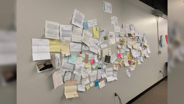 What's behind Elizabeth Warren's rise? This wall of letters at her campaign HQ offers some clues